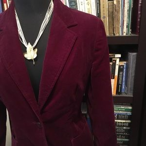 🎩 Burgundy-Colored Velvet Jacket - Vintage